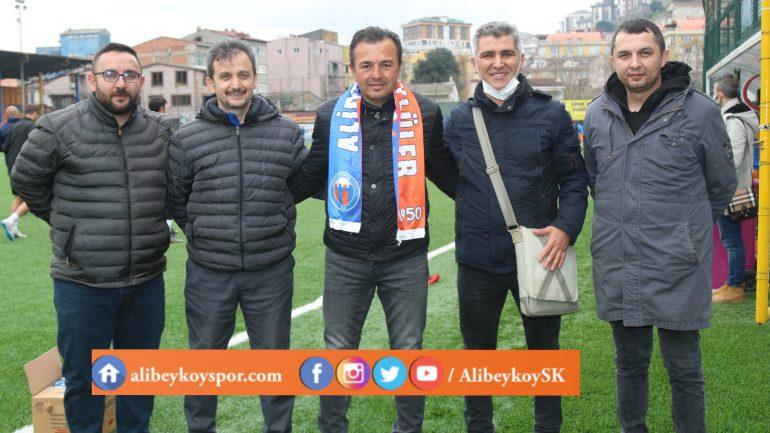 Alibeyköyspor taraftarı Zeki Ersoy'u unutmadı